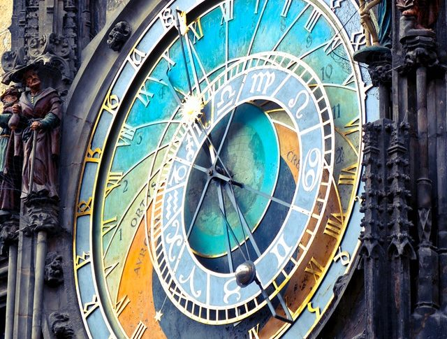 Planetaro Planetary Clock